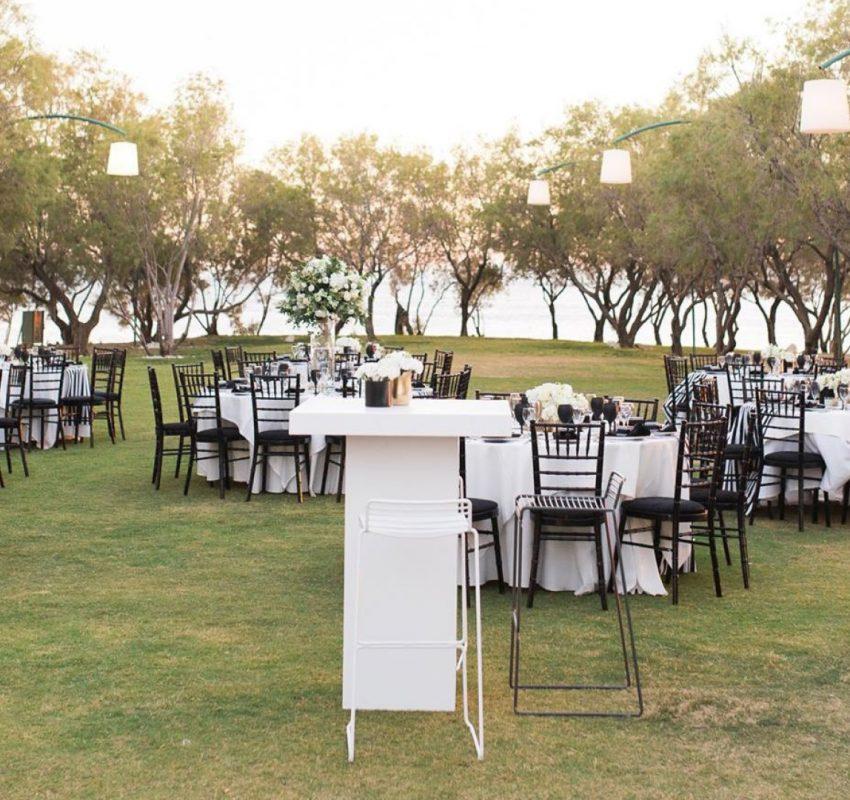 Elegant black and white wedding in Athens
