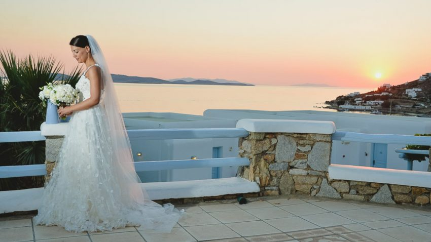 Tiles themed wedding in Mykonos