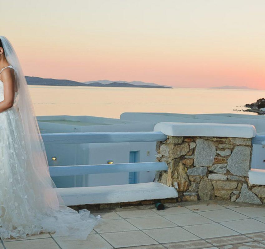 Tiles themed wedding in Mykonos
