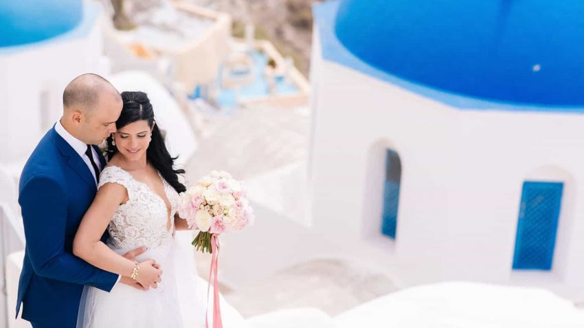 A luscious wedding overlooking the Caldera, in Santorini