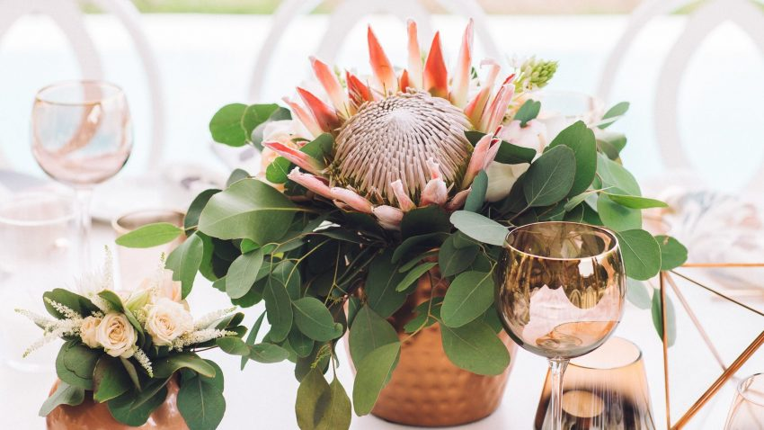 How to Set a Copper & Marble Table Decor for Your Event