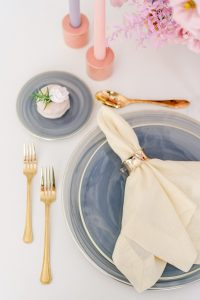 flatware and charger plate in blue colors