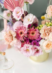 centerpiece in pink and fuchsia colors