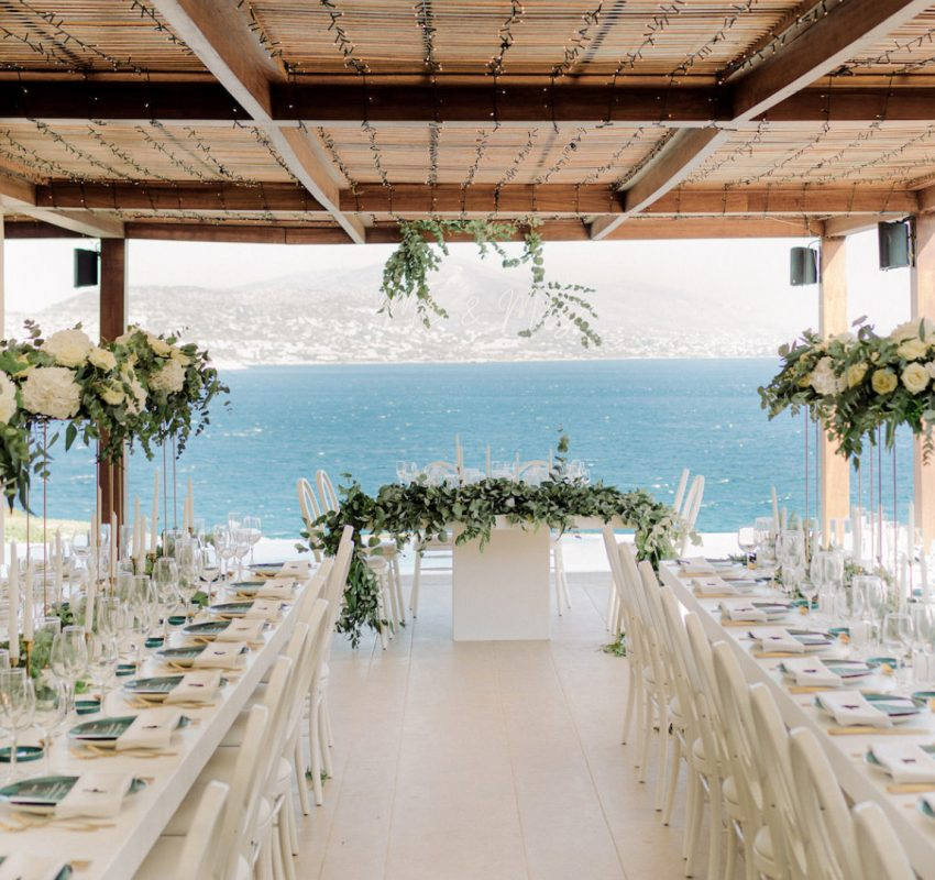 An emerald green micro wedding in the Athenian Riviera